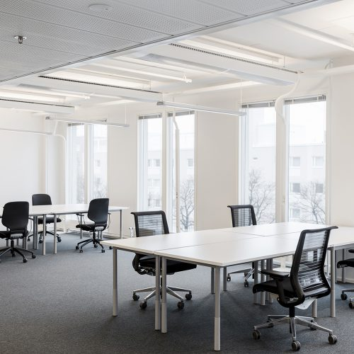 Mansku105 valoisat toimistotilat